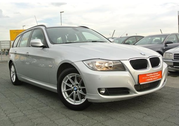 BMW 3 SERIES (10/2011) - SILVER METALLIC - lieu: