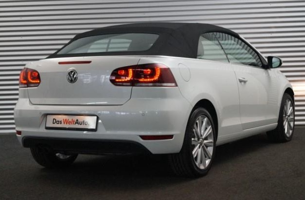 VOLKSWAGEN GOLF (00/14) - WHITE - lieu: