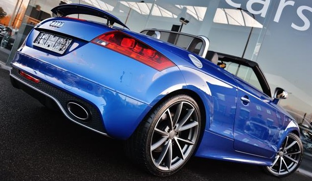 AUDI TT (07/2011) - BLUE METALLIC - lieu:
