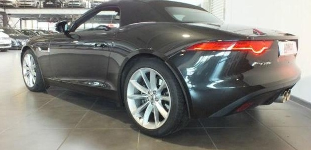 JAGUAR F TYPE (05/2013) - STRATUS GREY METALLIC - lieu: