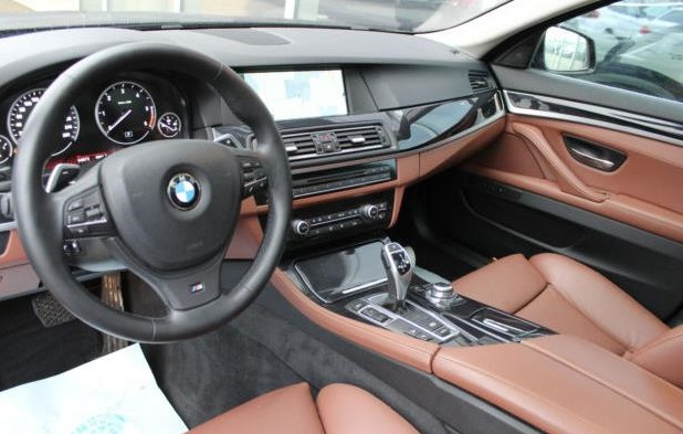 BMW 5 SERIES (12/2011) - BLACK - lieu:
